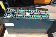 フォークリフト バッテリー